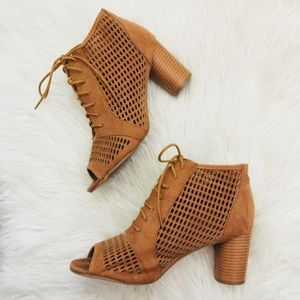 ModCloth Lace Up Chunky Block Heels